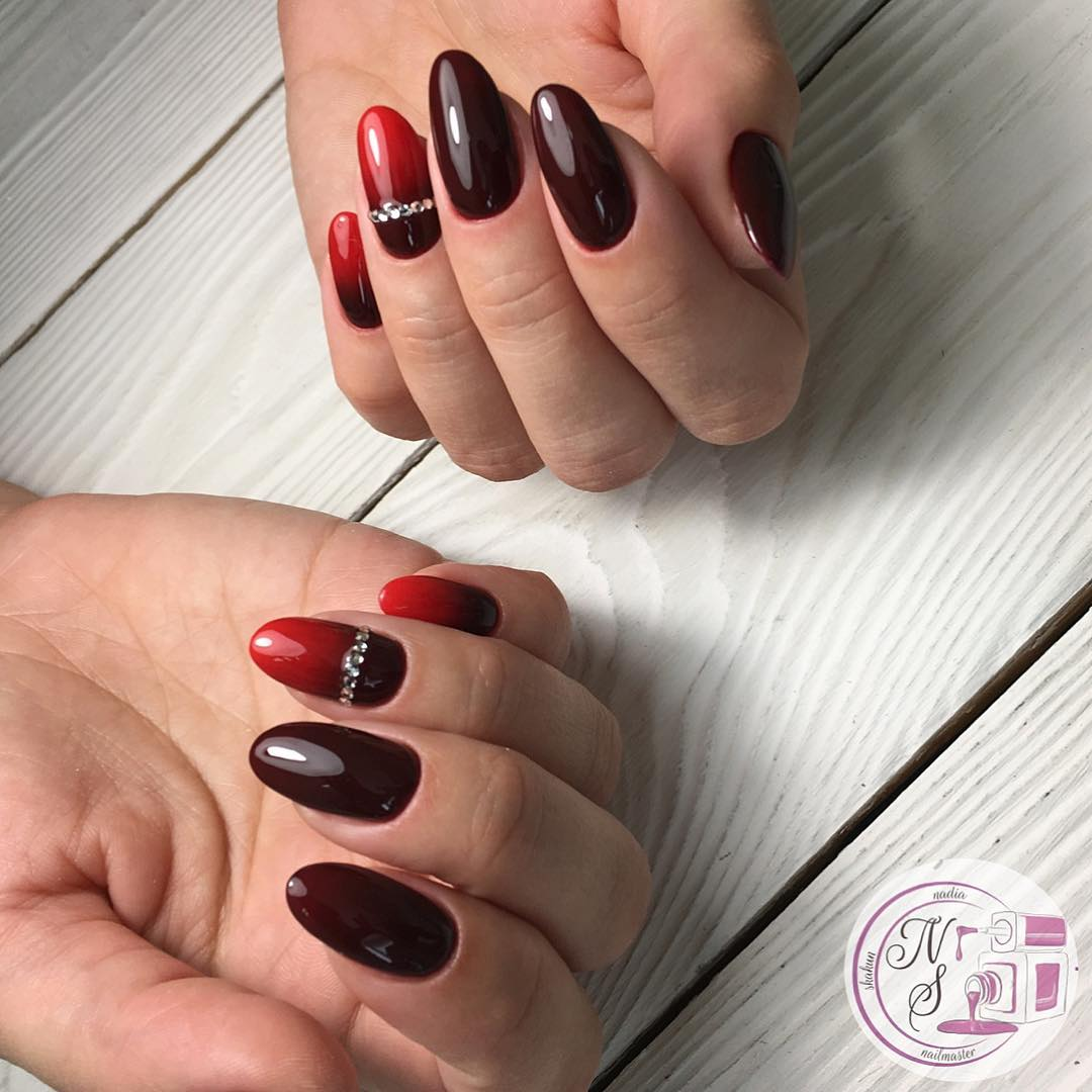 Красное омбре на ногтях_24