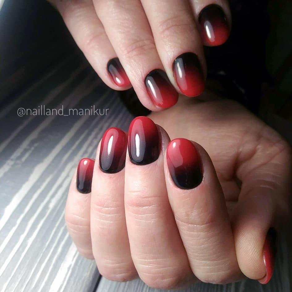 Красное омбре на ногтях_19