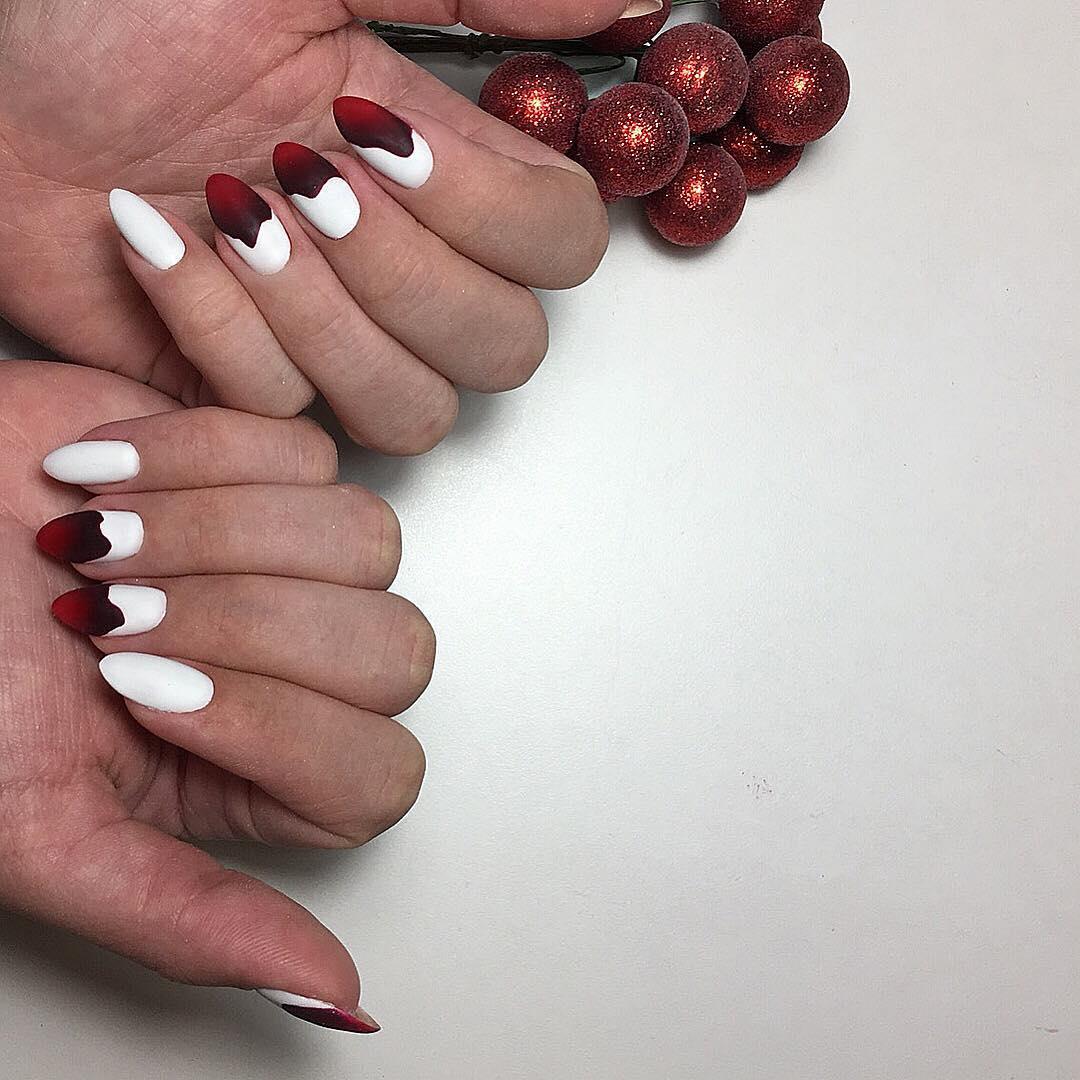 Красное омбре на ногтях_25
