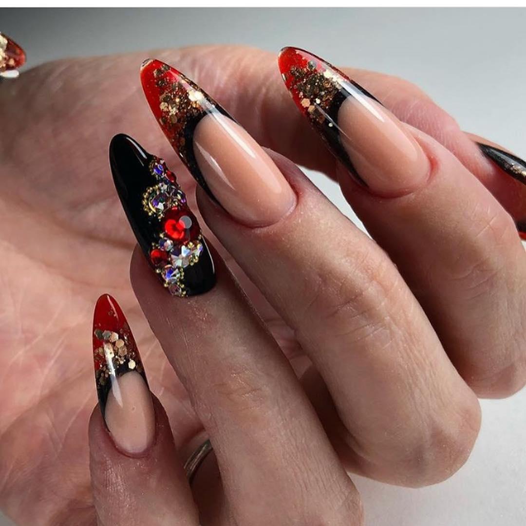 Красное омбре на ногтях_5