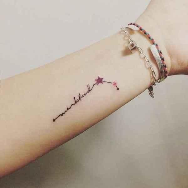 Маленькие татуировки на руке_30