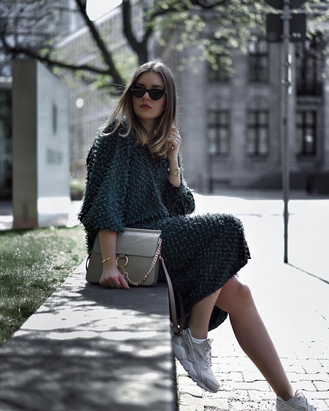 Платье с кроссовками_9