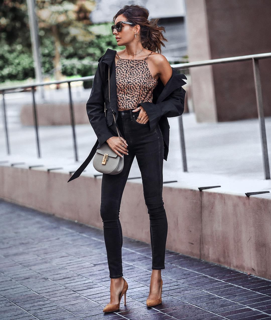 Луки с черными джинсами_9
