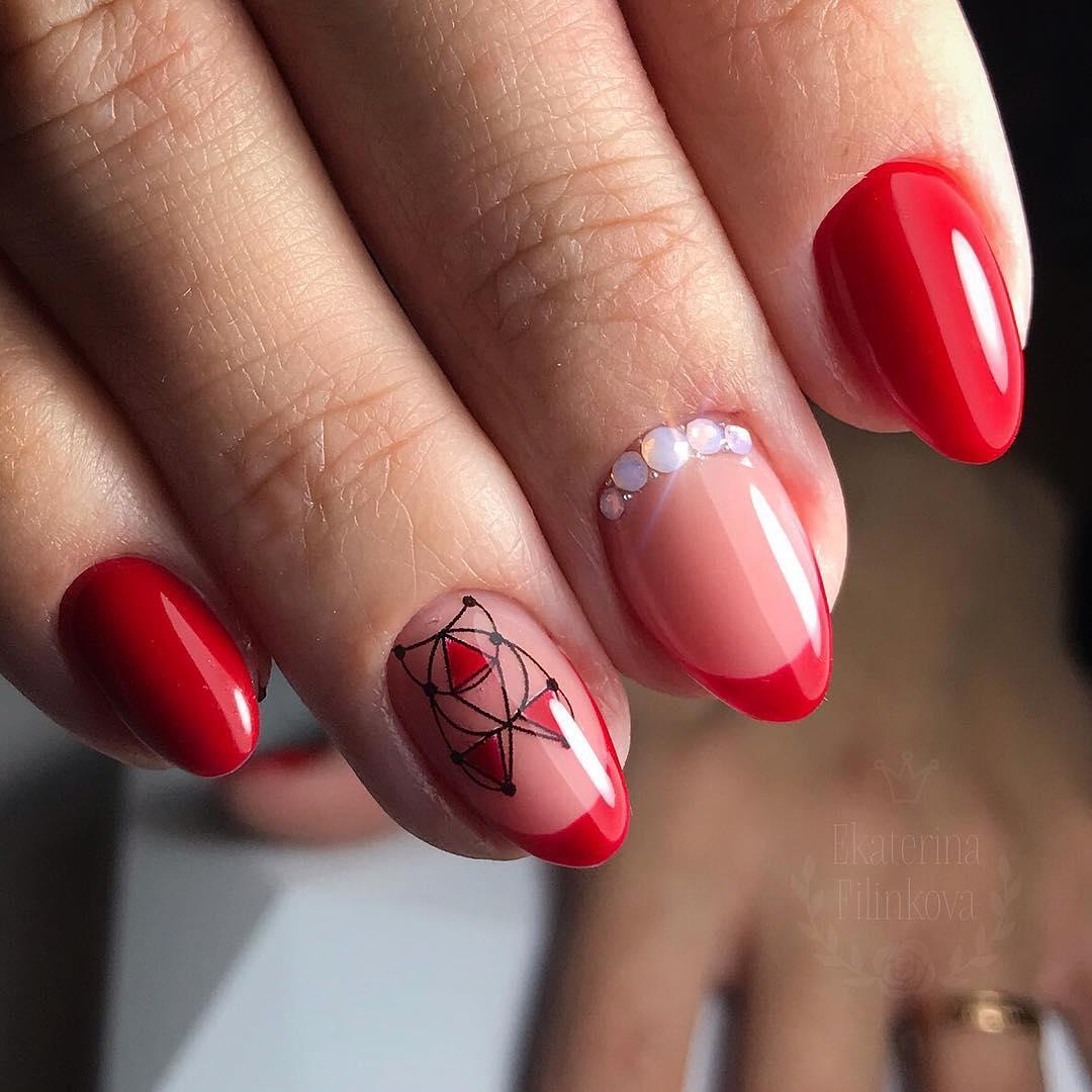 Цветной французский маникюр на короткие ногти_9