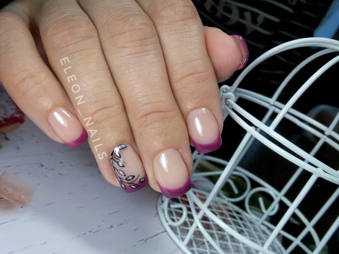 Цветной французский маникюр на короткие ногти_1