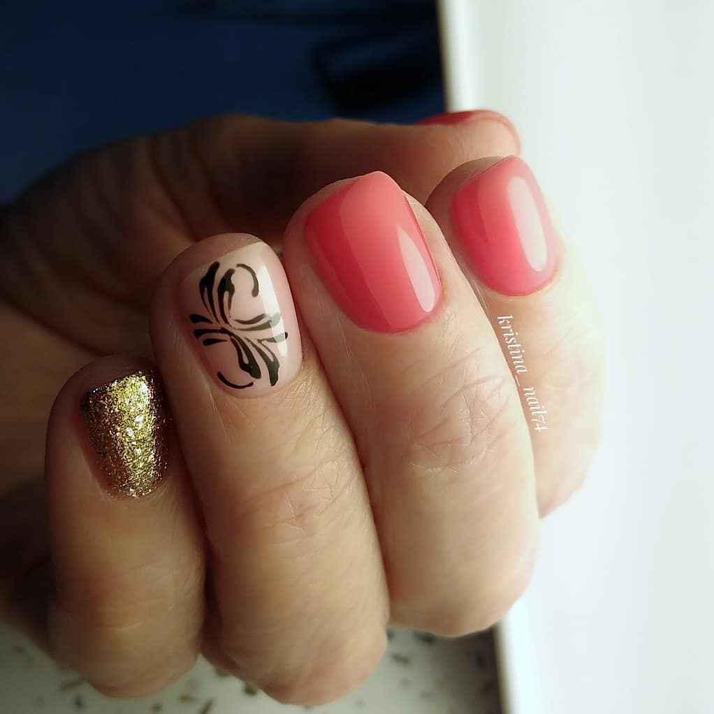 Коралловый маникюр на короткие ногти_15