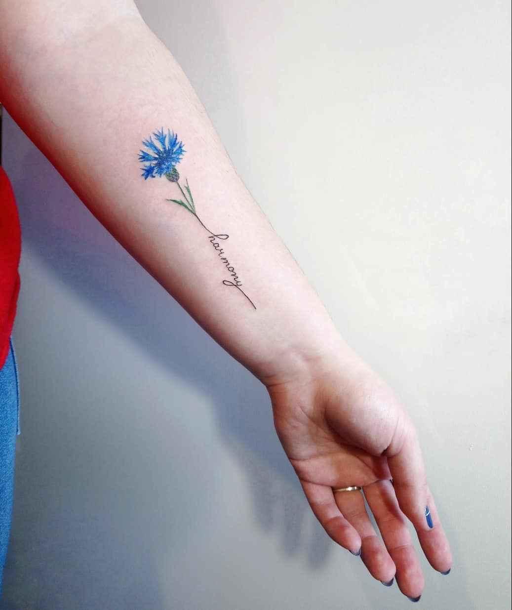 Маленькие татуировки на руке_21