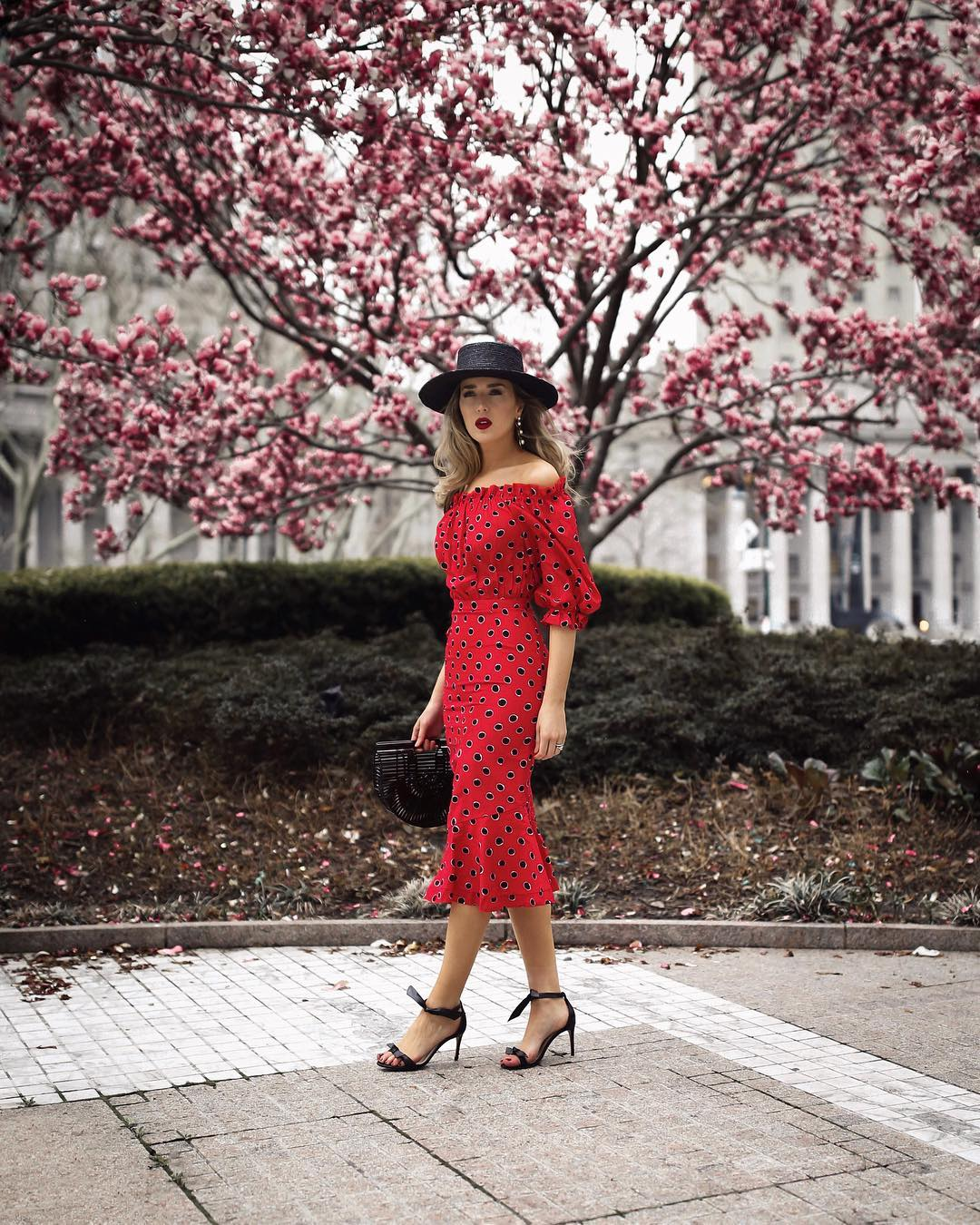 Модные весенние платья 2019 фото_13