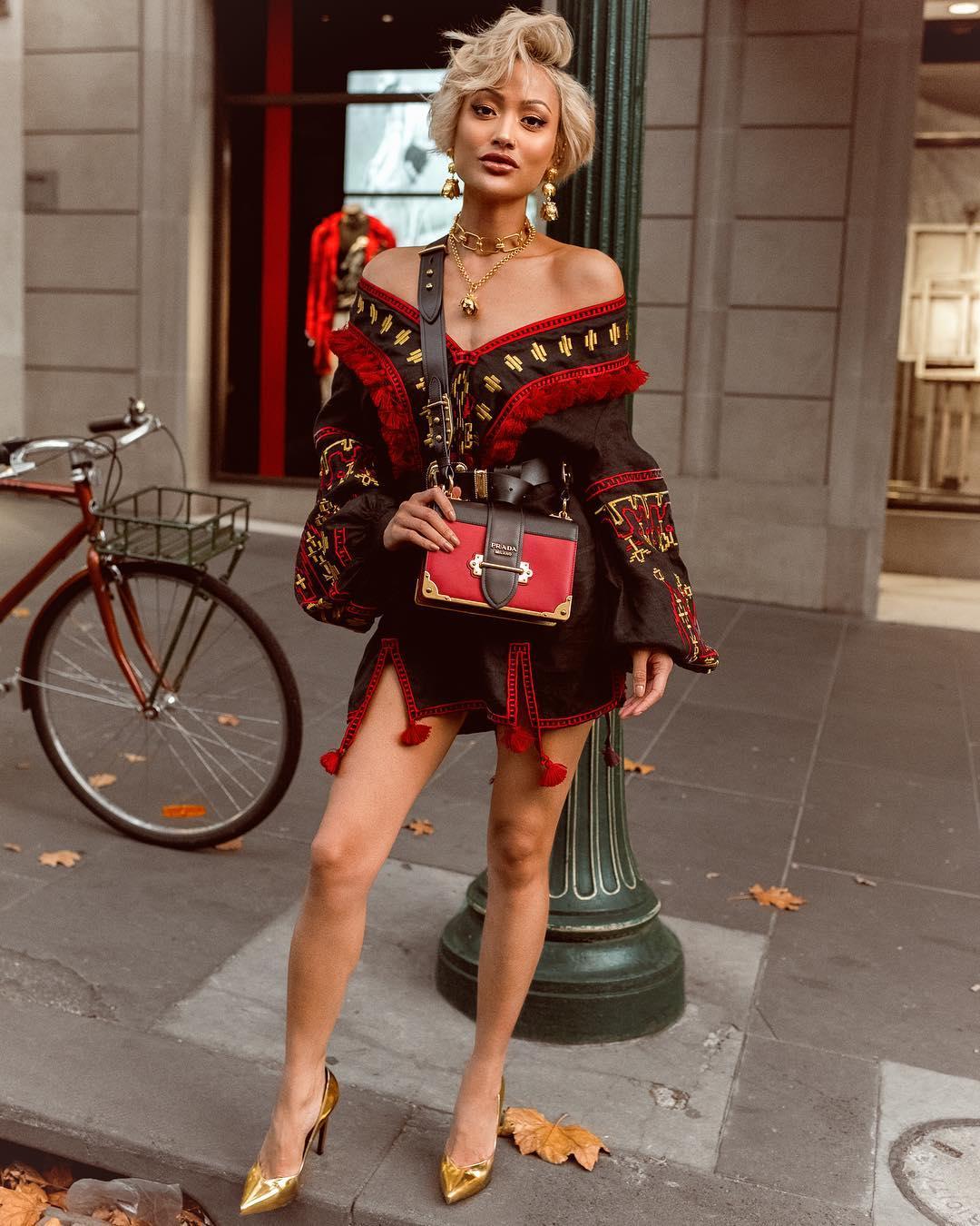 Модные весенние платья 2019 с  принтами_42