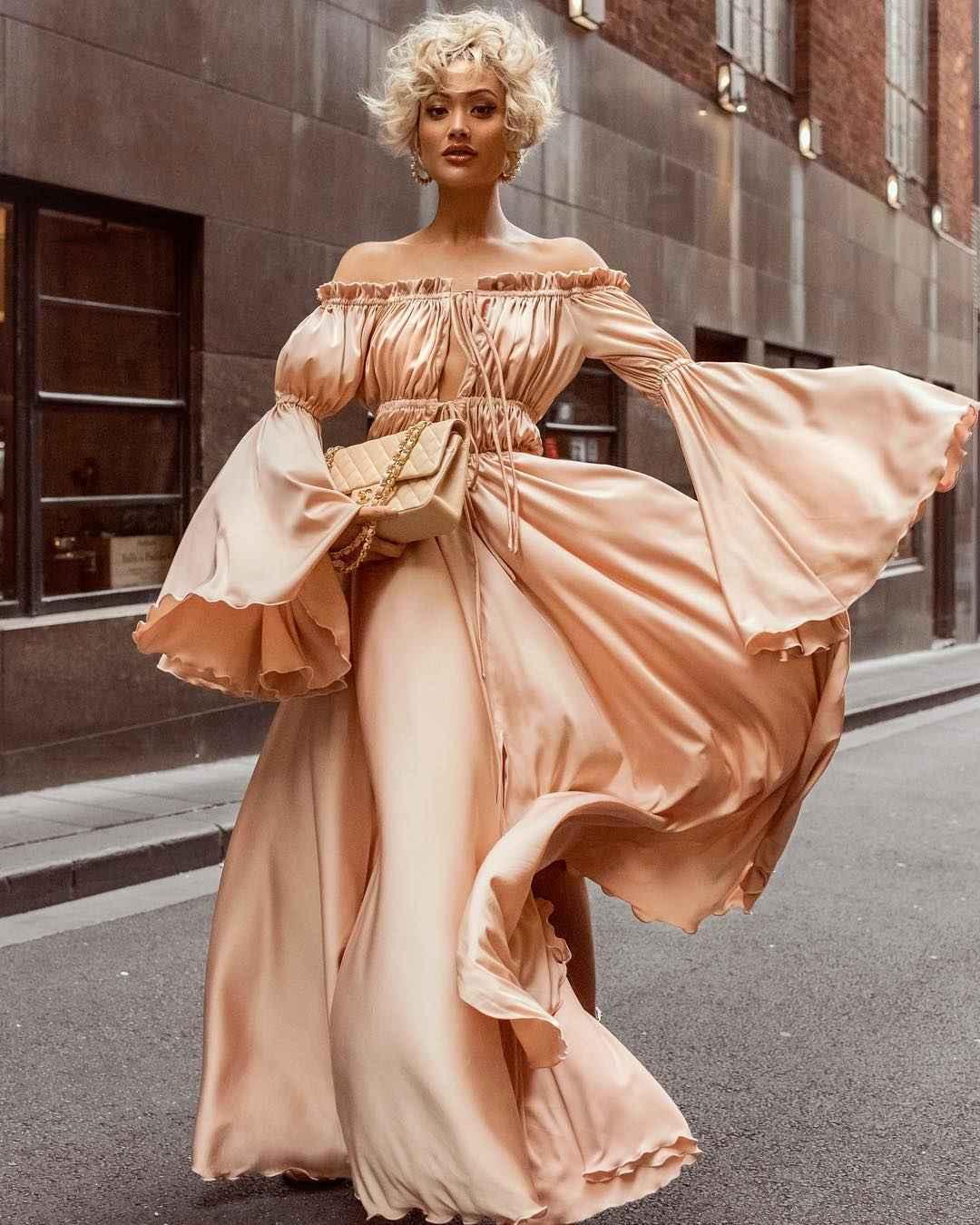 Платье с открытыми плечами_29