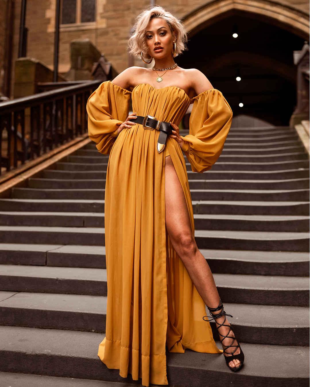 Платье с открытыми плечами_6