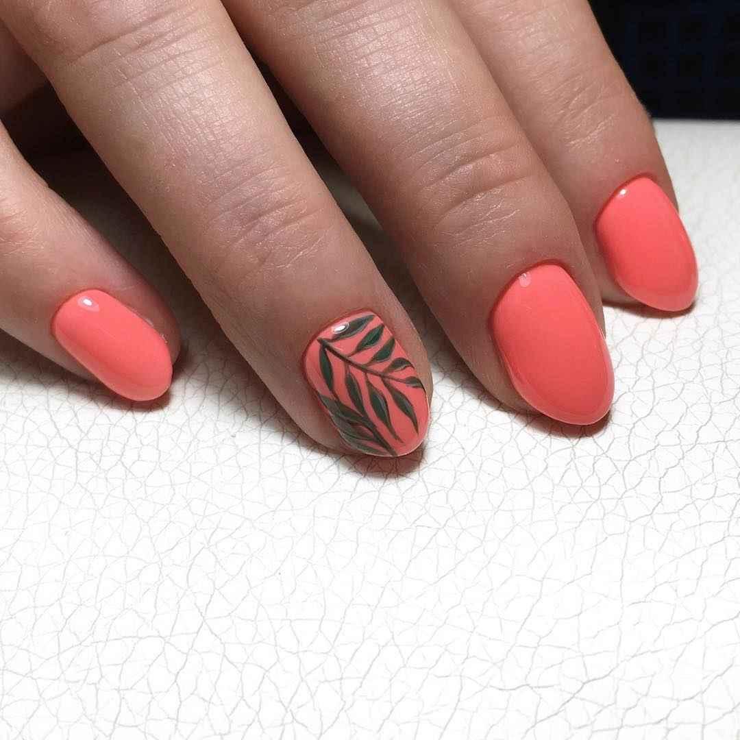 Коралловый маникюр на короткие ногти_22