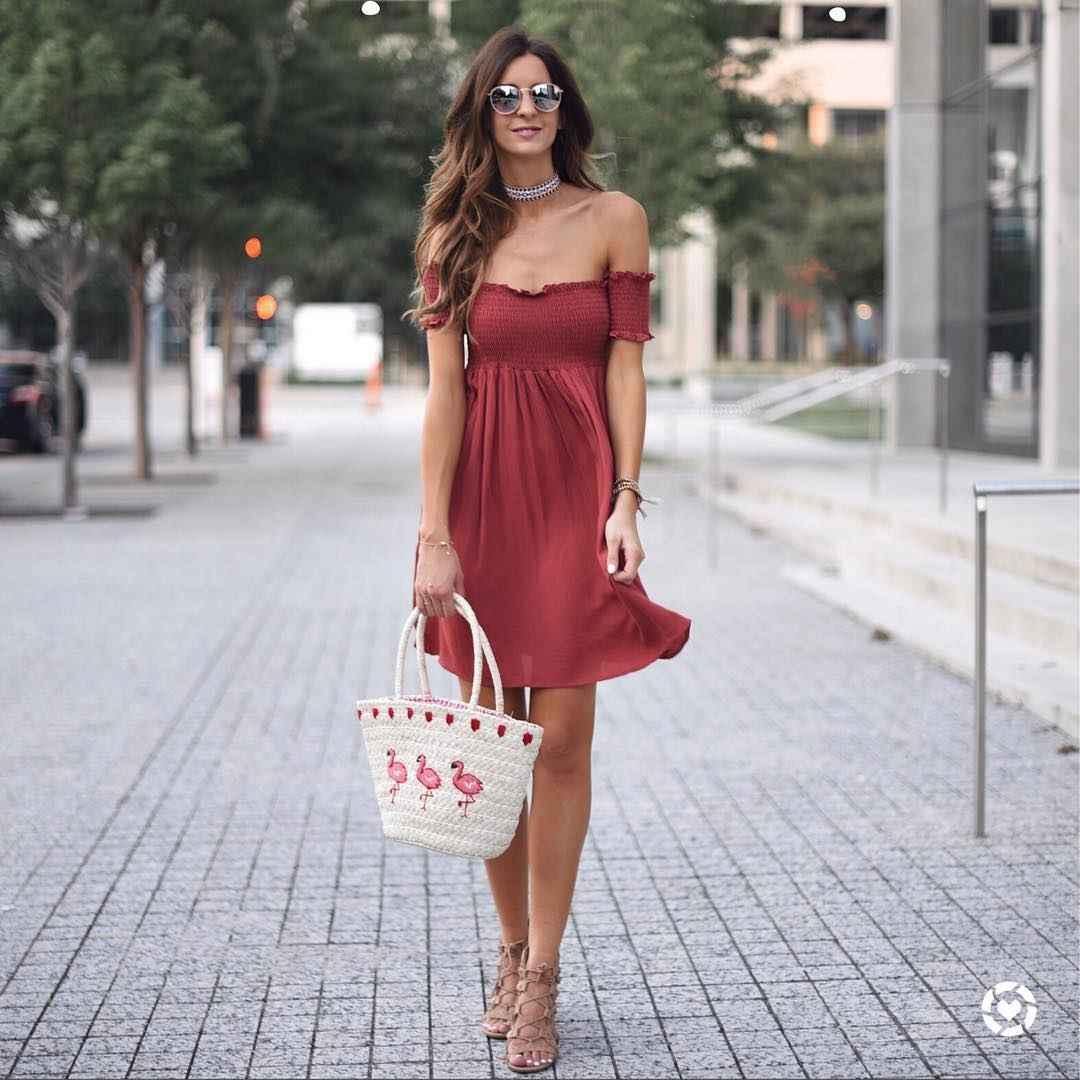 Платье с открытыми плечами_3