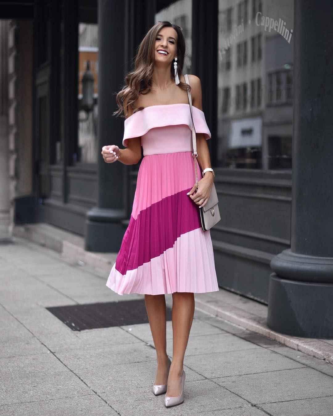 Платье с открытыми плечами_12