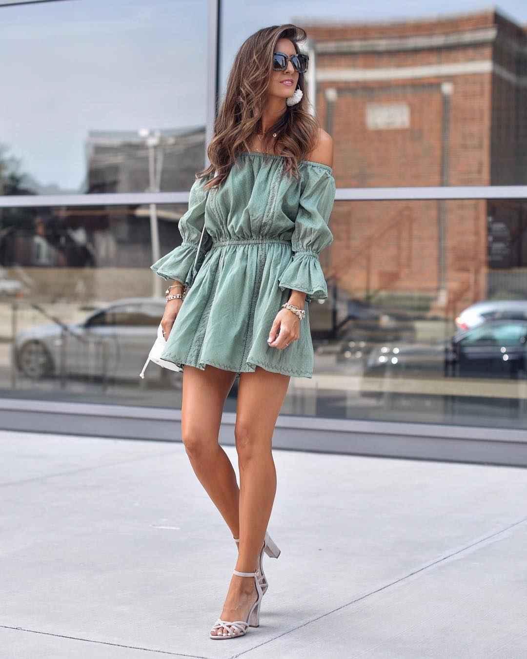 Платье с открытыми плечами_5
