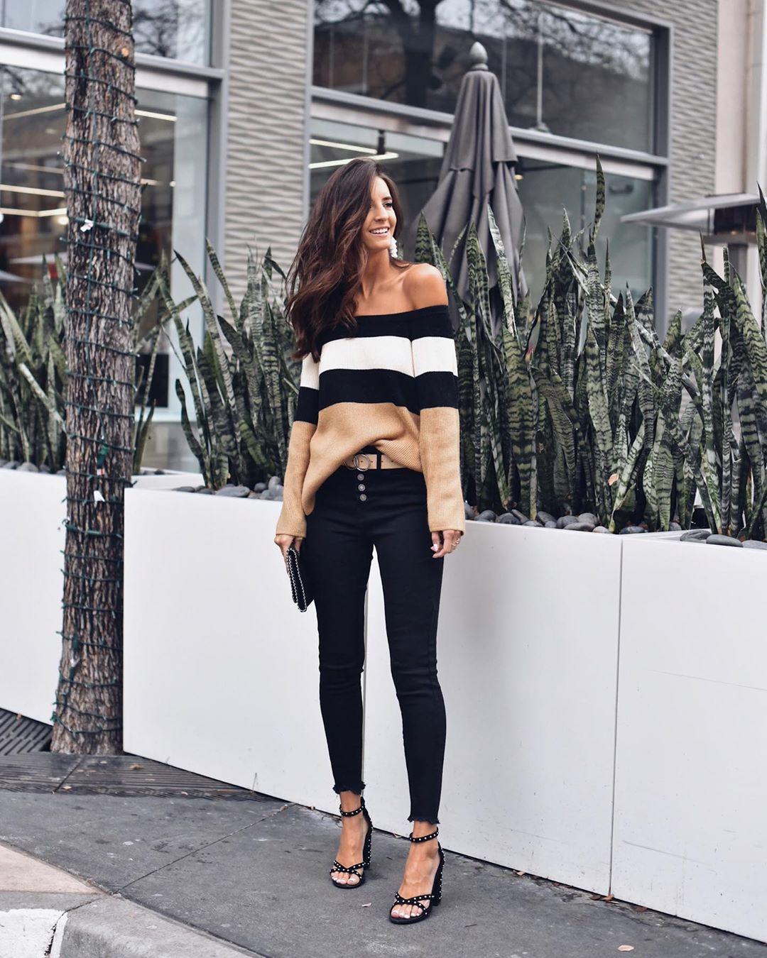 Луки с черными джинсами_16