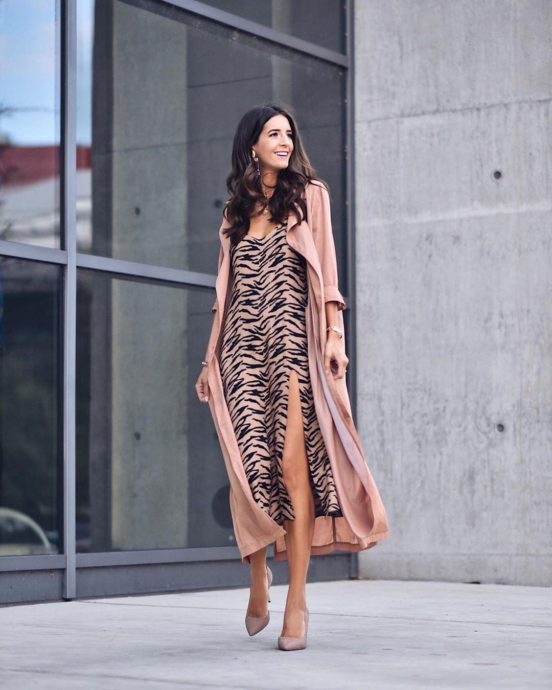 Модные весенние платья 2019 с  принтами_37