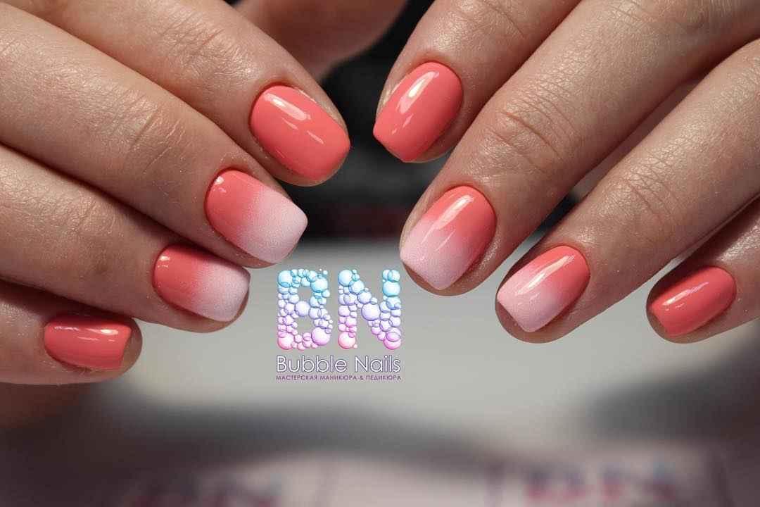 Коралловый маникюр на короткие ногти_24
