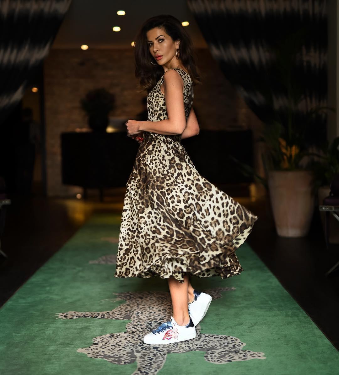 Платье с кроссовками фото_20