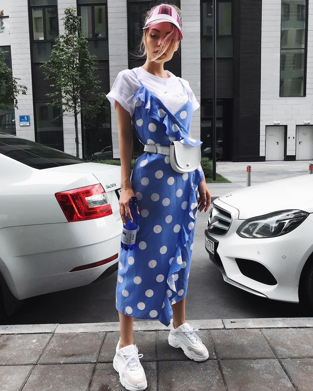 Платье с кроссовками фото_33