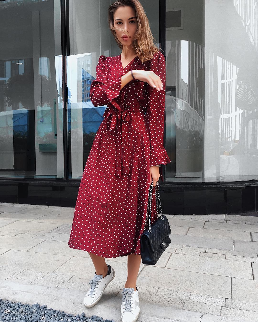 Платье с кроссовками фото_27