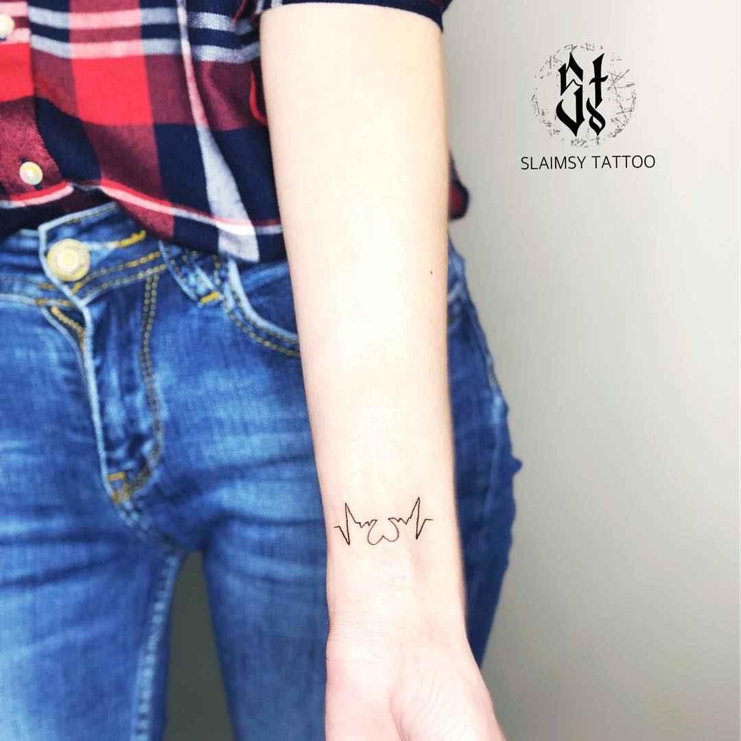 Маленькие татуировки на руке_14