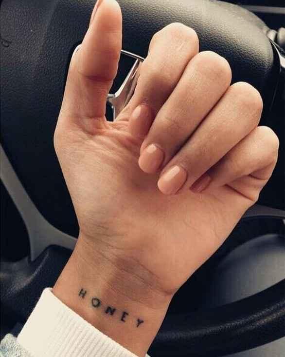 Маленькие татуировки на руке_12