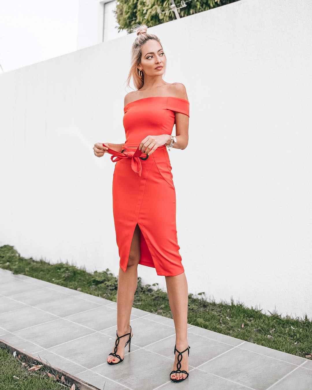 Платье с открытыми плечами_20
