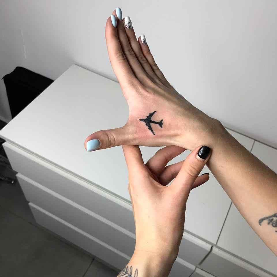 Маленькие татуировки на руке_6