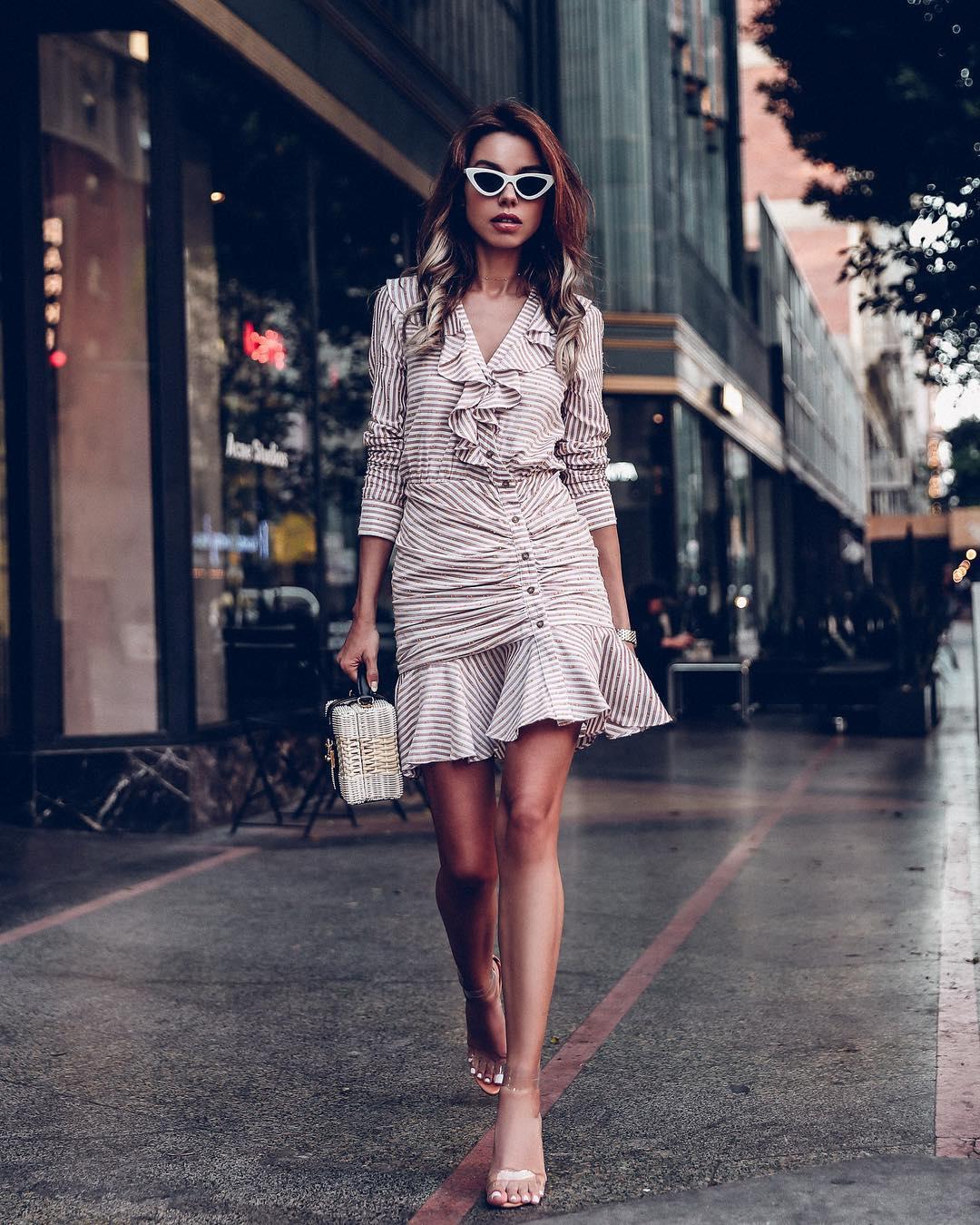Модные весенние платья 2019 фото_19