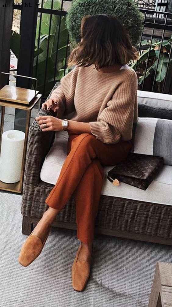 С чем носить коричневые брюки фото_10