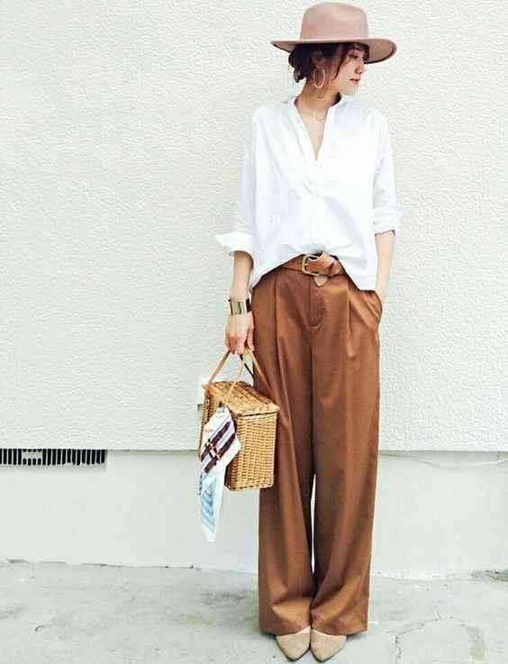 С чем носить коричневые брюки фото_1