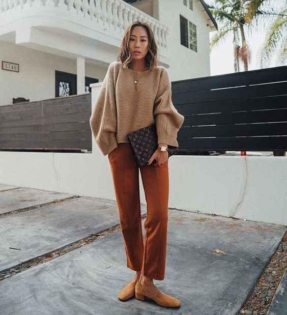 С чем носить коричневые брюки фото_6