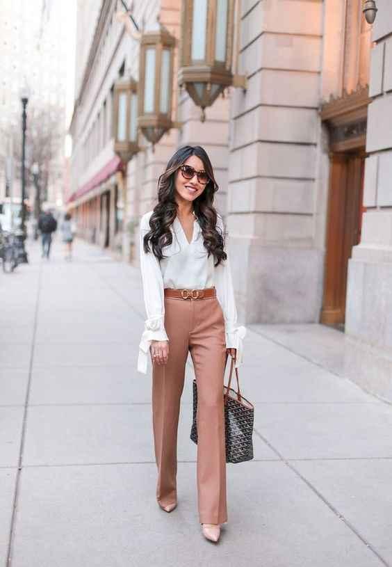 С чем носить коричневые брюки фото_5