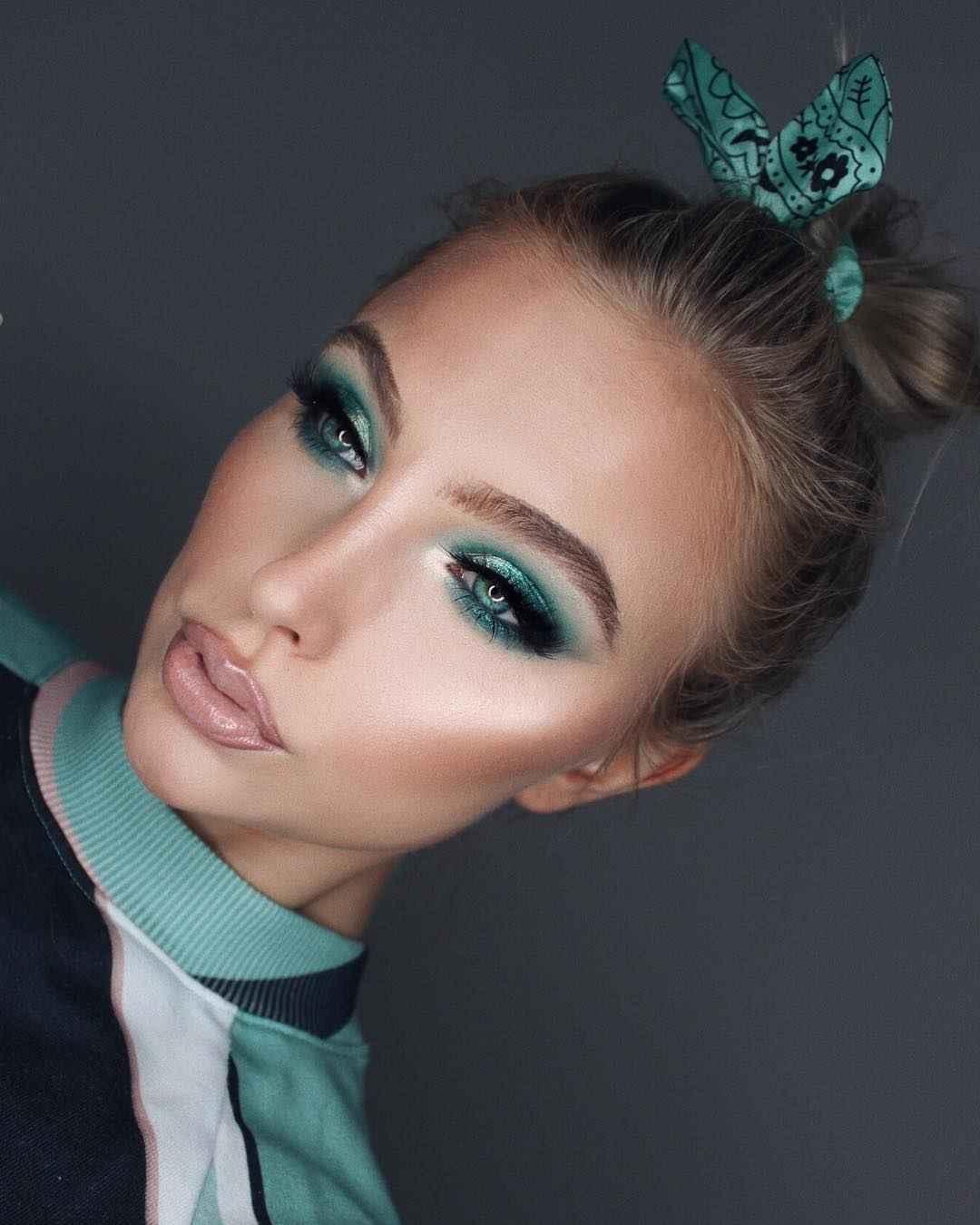 Яркий макияж на выпускной 2019-2020 фото_10