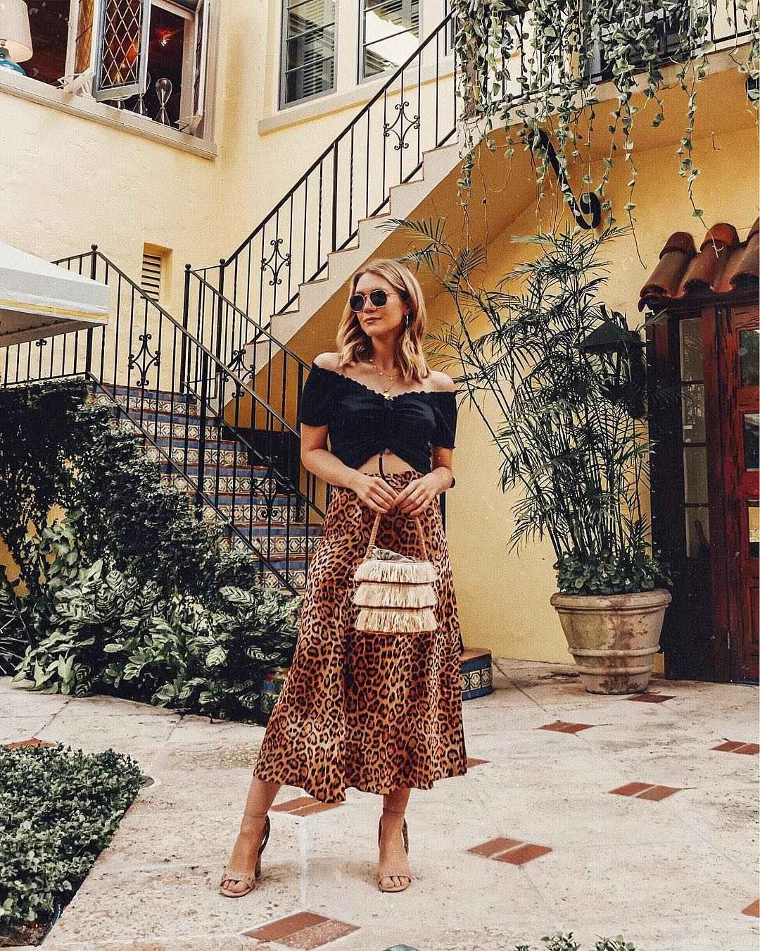 С чем носить леопардовую плиссированную юбку фото_9
