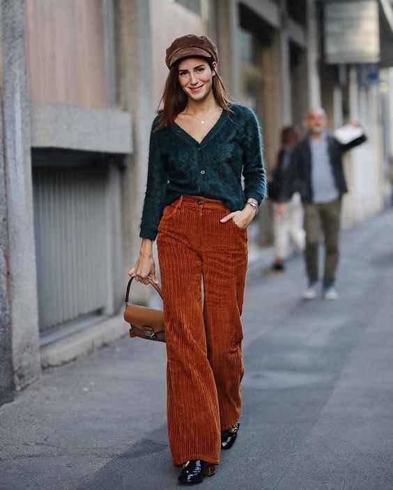 С чем носить коричневые брюки фото_22