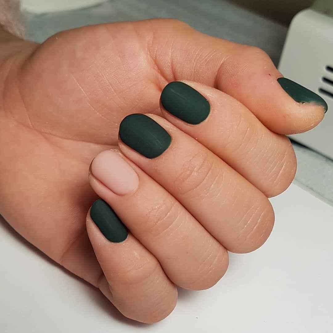 Матовый маникюр на короткие ногти фото_4