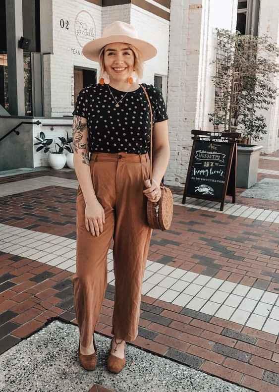 С чем носить коричневые брюки фото_19