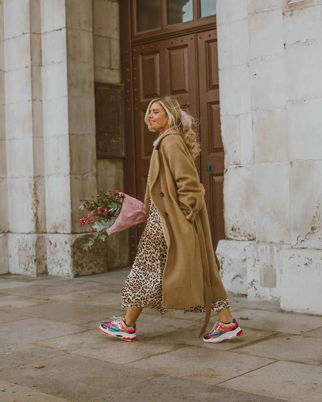 С чем носить леопардовую плиссированную юбку фото_8