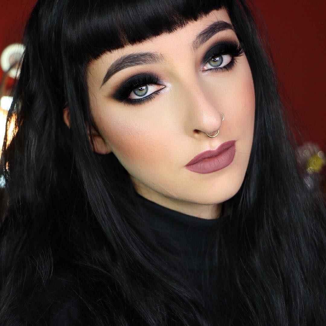 Вечерний макияж для темных волос и зеленых глаз_12