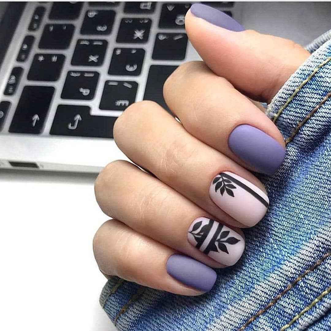 Матовый маникюр на короткие ногти с рисунком или декором фото_33