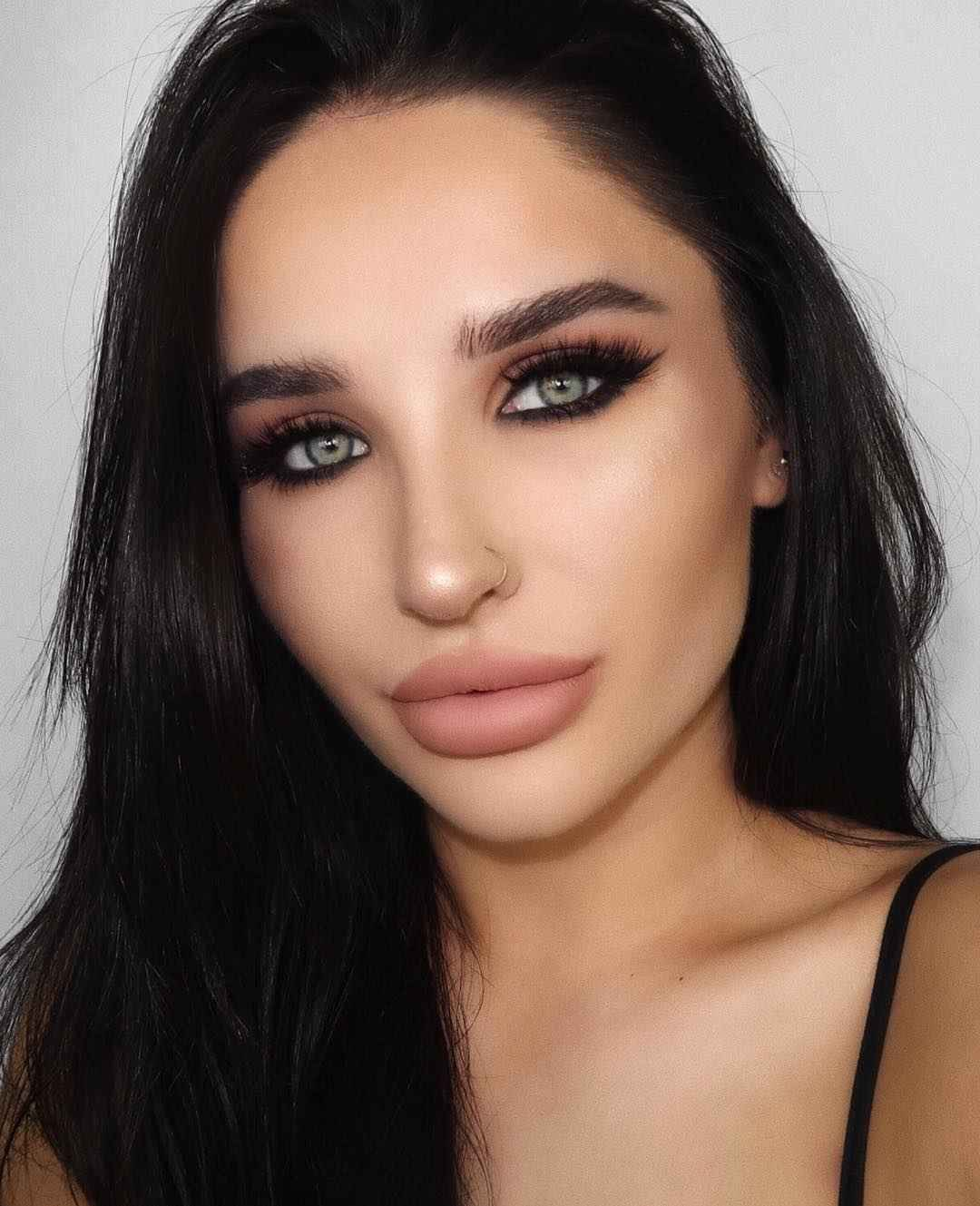 Вечерний макияж для темных волос и зеленых глаз_18