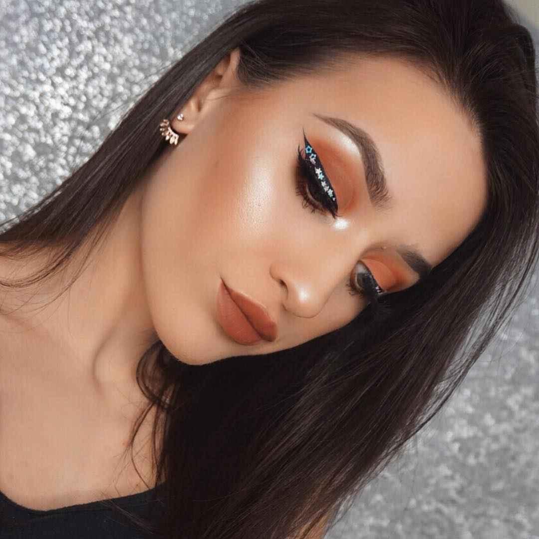 Яркий макияж на выпускной 2019-2020 фото_9