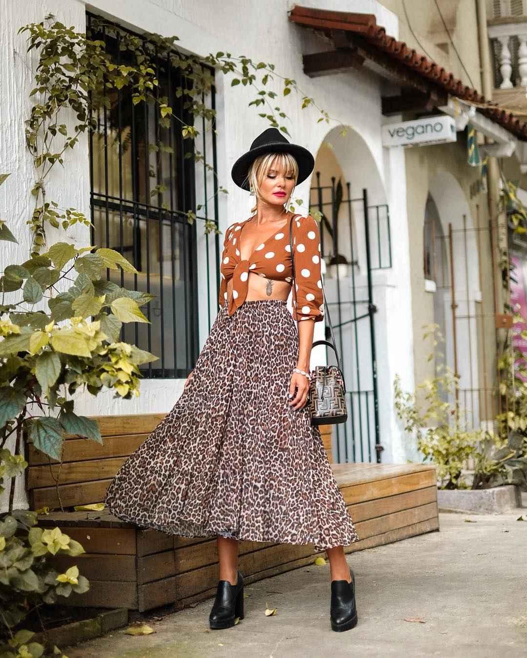 С чем носить леопардовую плиссированную юбку фото_7
