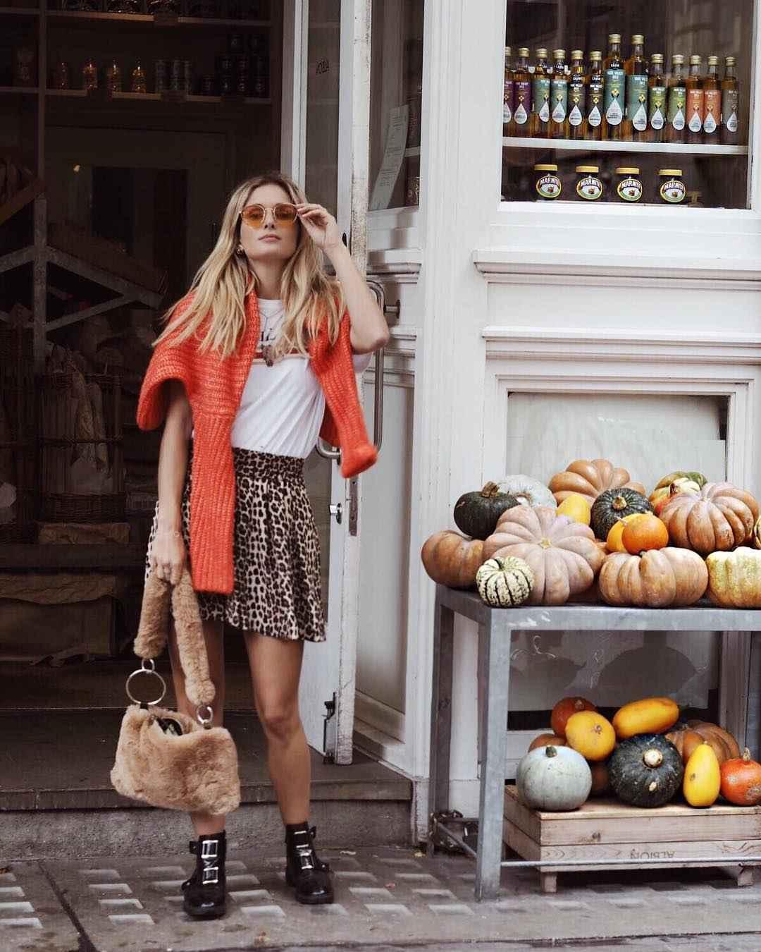 С чем носить леопардовую плиссированную юбку фото_3