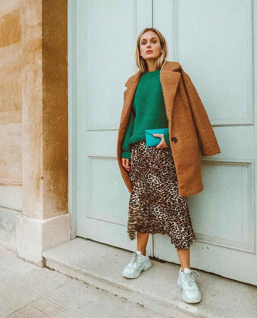 С чем носить леопардовую плиссированную юбку фото_10