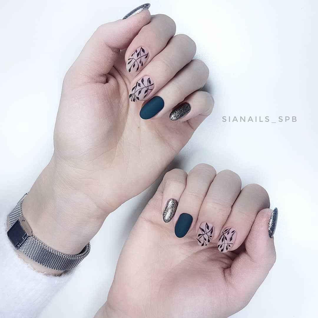 Матовый маникюр на короткие ногти с рисунком или декором фото_8
