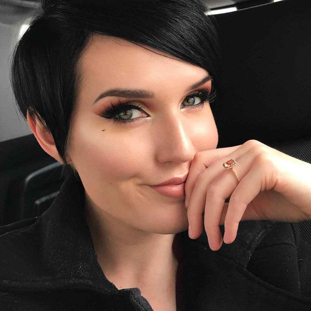 Дневной макияж для темных волос и зеленых глаз_17