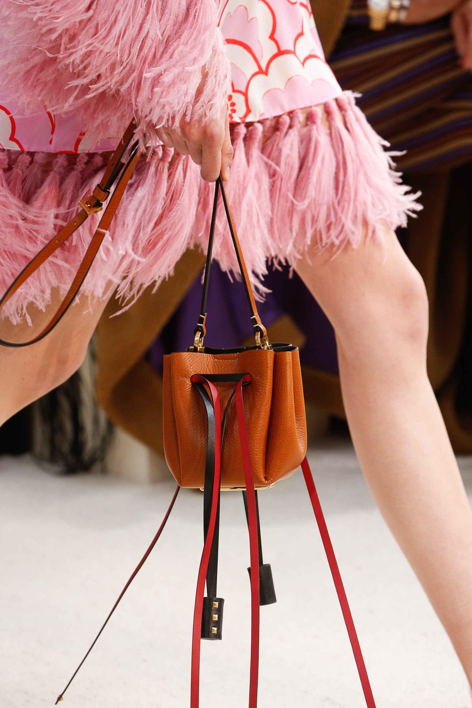 Модные сумки весна-лето 2019 фото_44